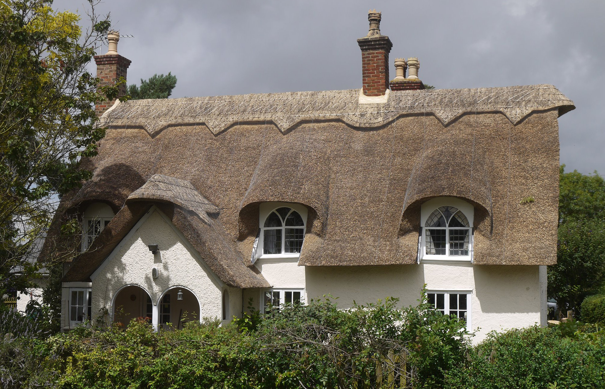 professional and friendly roof thatching specialists about us - Thatched Rood